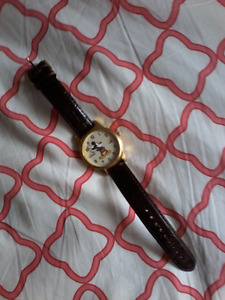 Mickey Mouse Watch (needs new batteries)