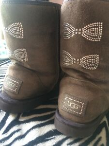 Authentic Uggs size 9 London Ontario image 2