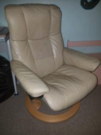Stressless Ekornes Swivel Leather Chair