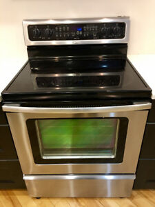 Stainless steel, ceramic top high-end Whirlpool range for sale
