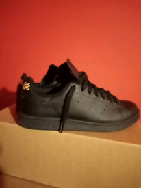 Adidas trainers youth