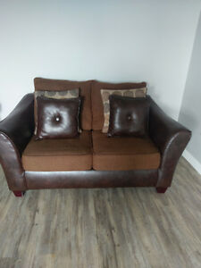 Couch for sale! great condition! London Ontario image 2