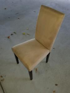 Dinning chairs x4