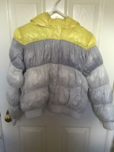The girls Old Navy winter jacket. Size:L(10-12).