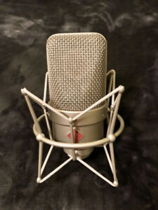 mint condition neumann tlm49 with shockmount