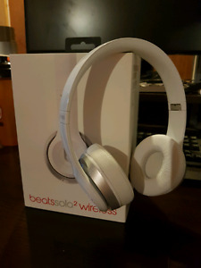Beats Solo 2 Wireless 160$