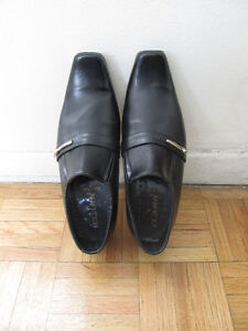 Dress shoes for boys, Size 6 [Victoria Park / Lawrence Ave E]