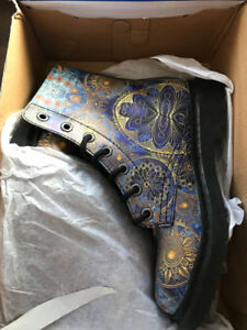 YesWeVibe Boots -- Brand new - Size 7 -- $120