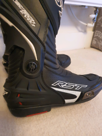 RST LEATHER PANTS (SHORT) AND BOOTS