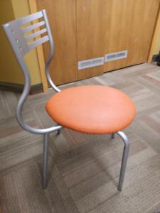 6 Chaises en métal grises