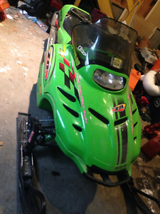 Arctic cat 1999 700 zr chassis and 800 efi  2002 engine