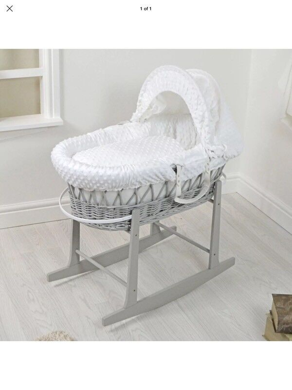 Grey dimple Moses basket & stand