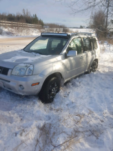 2005 nissan x-trail (part out)