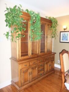 beautiful!!! Hutch/Buffet With glass shelves and light inside