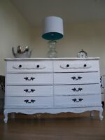 GORGEOUS WHITE FRENCH PROVINCIAL DOUBLE DRESSER *** CAN DELIVER