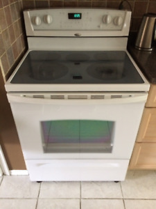 Stove by GE/Whirlpool