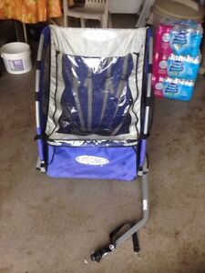 Bike trailer barely used excellent condition
