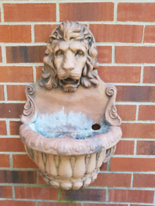 Wall Mount Lion Outdoor Fountain