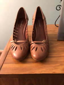 New Naturalizer Shoe size 10