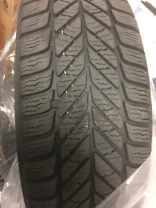 Michelin Defender XT, 4 Newer winter tires with 4 rim, $ 550. !