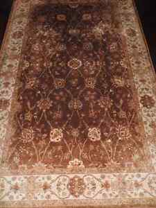 5X7 Brown/Neutral colored area rug!