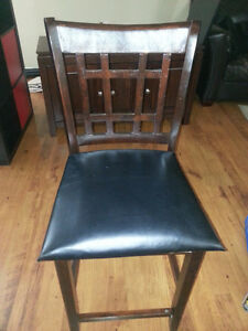 BAR CHAIR -NEED TO GO