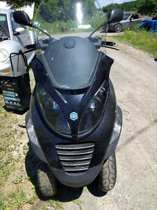 2008 Piaggio MP3 400cc Three Wheeled Scooter