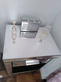 Chest of 1 drawer dunelm mirror £60 RRP £150