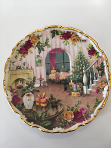 Royal Albert Old Country Roses Christmas Plate