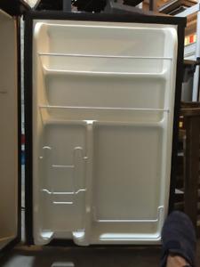 SYLVANIA Compact Refrigerator 4.5 CU.FT