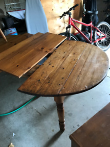 Antique Dining Table / Chairs