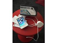 iPhone 4 16gb white colour EE network in good condition come with original box and charger