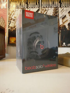 Beats Solo 2 Wireless Headphones - Black-Brand New Cambridge Kitchener Area image 2