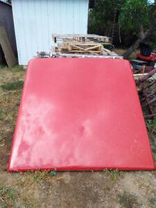 Rigid tonneau style box cover for GMC Canyon / Colorado