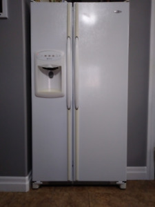 MAYTAG WHITE 36-INCH WIDE SIDE BY DIDE DOOR FRIDGE