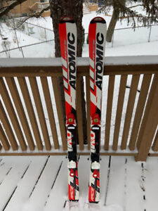 Youth Atomic Race Skis 130 and 23.5 boots