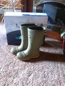 Men's work  boot  steel toe size 6