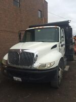 2006 International 4300 Hydraulic Roll Off & Dump Truck
