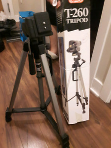 T- 260 Tripod For Sale