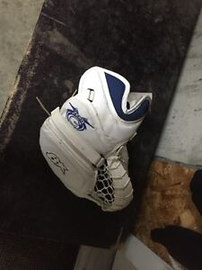 Brians Zero G Goal Glove - full right Strathcona County Edmonton Area image 2