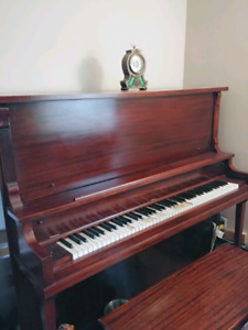 FREE - Piano in mint condition