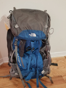 North Face Backpack - Women La Loba 60 pack