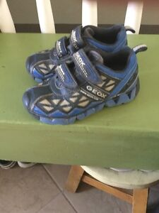 Size 10.5 geox shoes