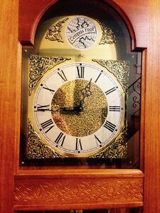 Stunning Ridgeway Grandfather Clock-Excellent Working Condition Cambridge Kitchener Area image 5