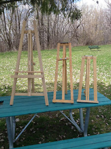 Artist Easel / Chevalet  and Picture Frames