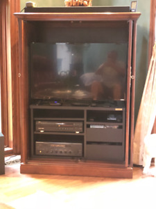 Thomasville Solid Cherry Media / Entertainment Cabinet