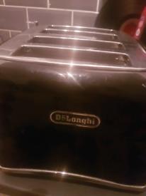 Delonghi Black brilliante cut 4 slice toaster
