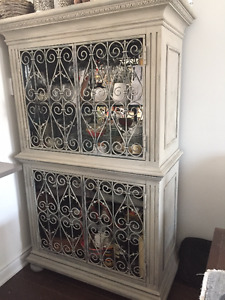 Display china and wine cabinet in one