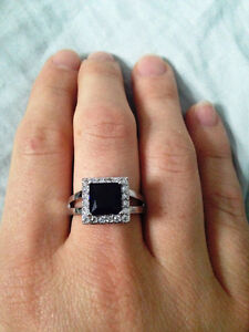 Size 8.5 Stunning Statement Ring - Sterling Silver