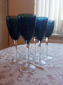 6 blue glass wine glasses £3